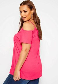 Yours Clothing - STRAPPY COLD SHOULDER - T-Shirt print - pink