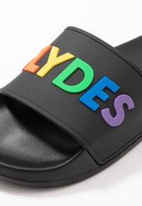 Slydes - SUNDAY - Matalakantaiset pistokkaat - black/multicolor - 5