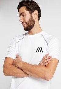Your Turn Active - Camiseta estampada - white - 4