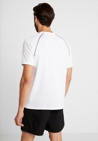 Your Turn Active - Camiseta estampada - white - 2