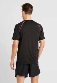 Your Turn Active - T-shirt med print - black - 2
