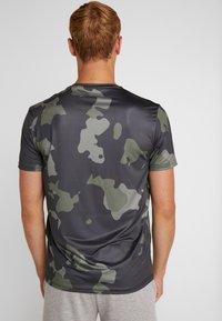Your Turn Active - Camiseta estampada - dark green - 2