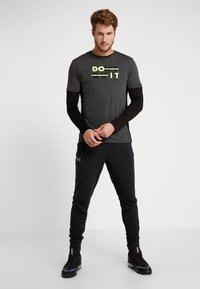 Your Turn Active - T-shirt con stampa - mottled dark grey - 1