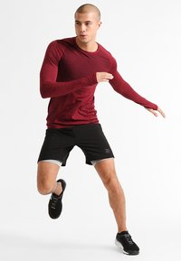 Your Turn Active - T-shirt de sport - winetasting - 1
