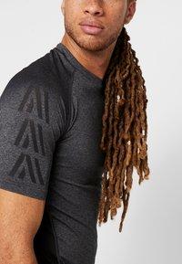 Your Turn Active - Print T-shirt - dark gray - 3