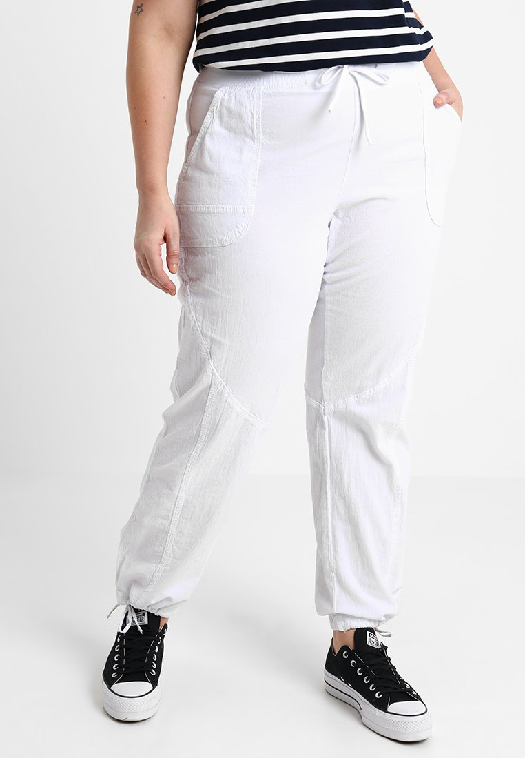 Zizzi - MMARRAKESH LONG PANT - Trousers - bright white