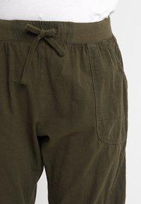 Zizzi - MMARRAKESH LONG PANT - Trousers - ivy green - 3