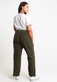 Zizzi - MMARRAKESH LONG PANT - Trousers - ivy green - 2