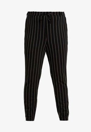 JMADDISON CROPPED PANT - Teplákové kalhoty - black