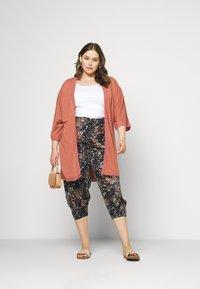 Zizzi - VVIGA PANT - Shorts - multi coloured - 1