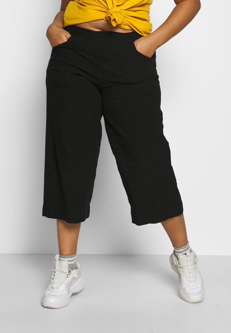 Zizzi - JALLY CULOTTE - Kalhoty - black