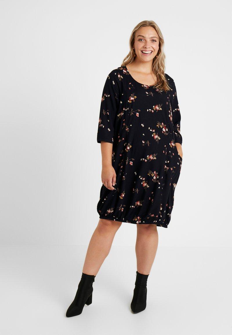 Zizzi - 3/4 DRESS FLORAL - Freizeitkleid - black