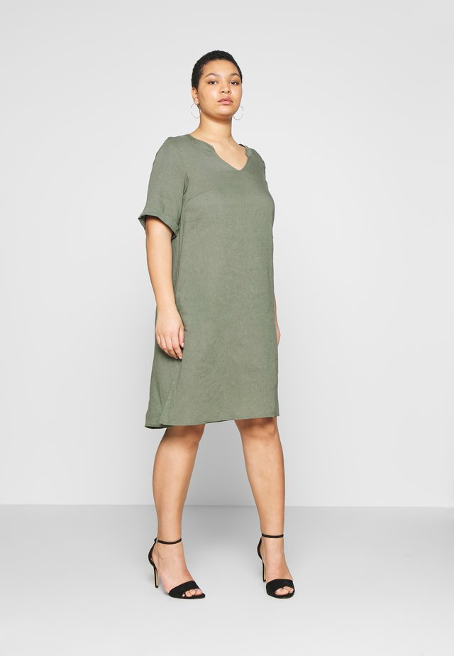 KNEE DRESS - Korte jurk - ivy green