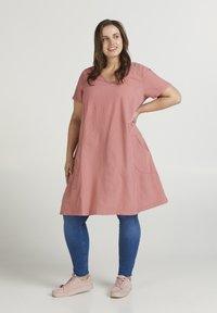 Zizzi - Day dress - pink - 1