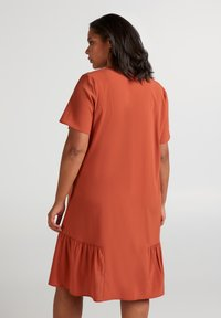 Zizzi - MCOMO KNEE DRESS - Day dress - burnt brick - 3