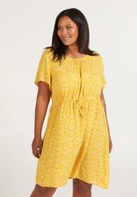 Zizzi - Korte jurk - yellow - 0