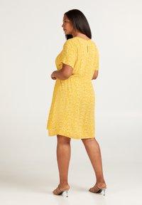 Zizzi - Korte jurk - yellow - 2