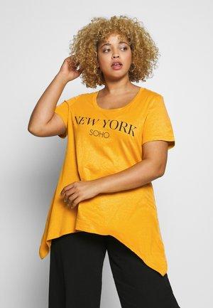 VMIRA - T-shirts med print - mineral yellow