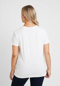 Zizzi - XETRE - T-shirt med print - bright white - 2
