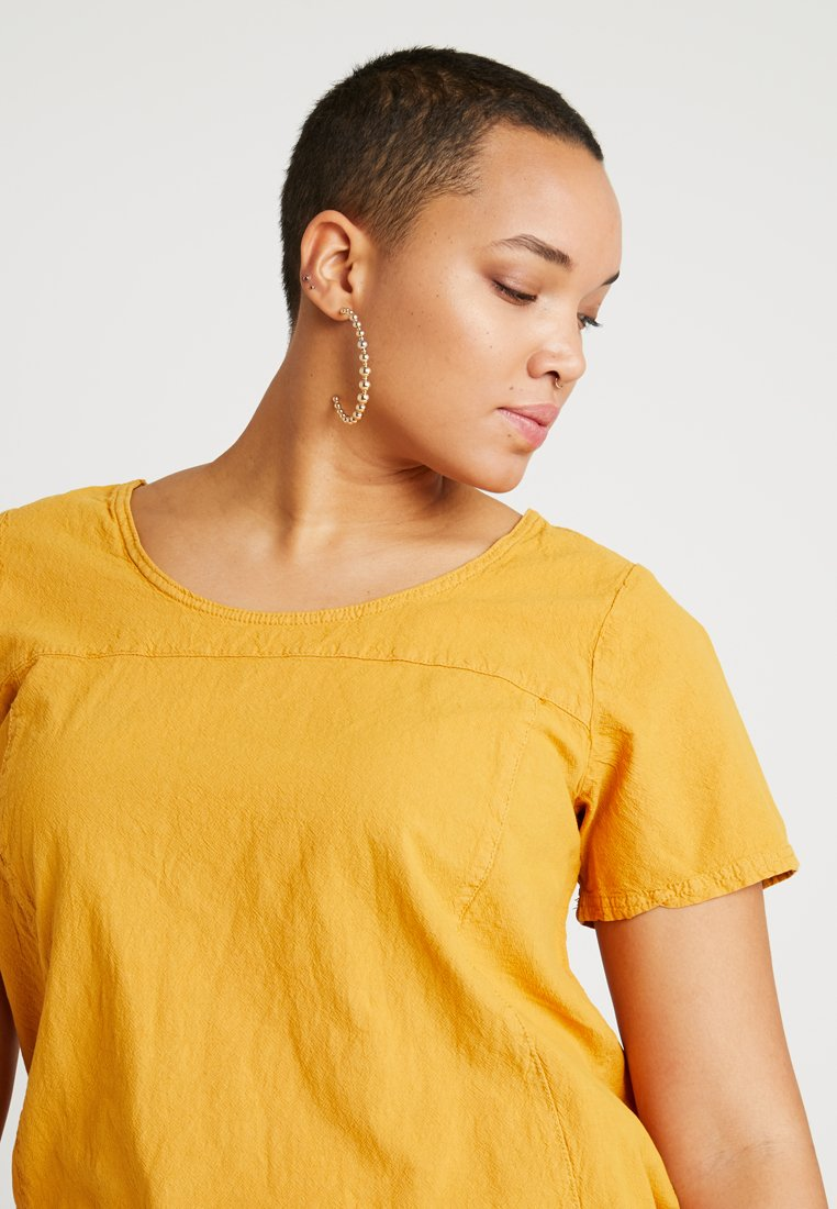 Zizzi MARRAKESH BLOUSE - Bluser - golden yellow