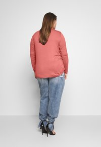 Zizzi - MLANA - Langærmede T-shirts - dusty cedar - 2