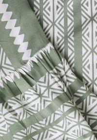Zizzi - XRIVIERA - Tunic - light green - 6