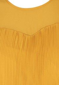 Zizzi - Bluse - dark yellow - 4