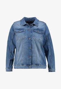 Zizzi - MACCALIA JACKET - Denim jacket - light blue denim - 3