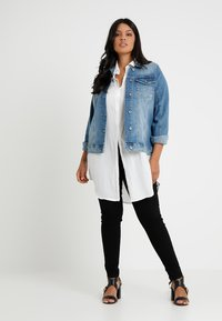 Zizzi - MACCALIA JACKET - Denim jacket - light blue denim - 1