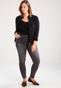 Zizzi - AMY LONG - Jeansy Skinny Fit - dark grey denim - 1