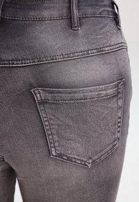 Zizzi - AMY LONG - Jeansy Skinny Fit - dark grey denim - 4