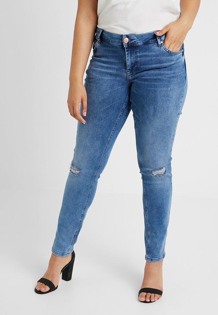 Zizzi - SANNA LONG - Jeans Slim Fit - light blue denim