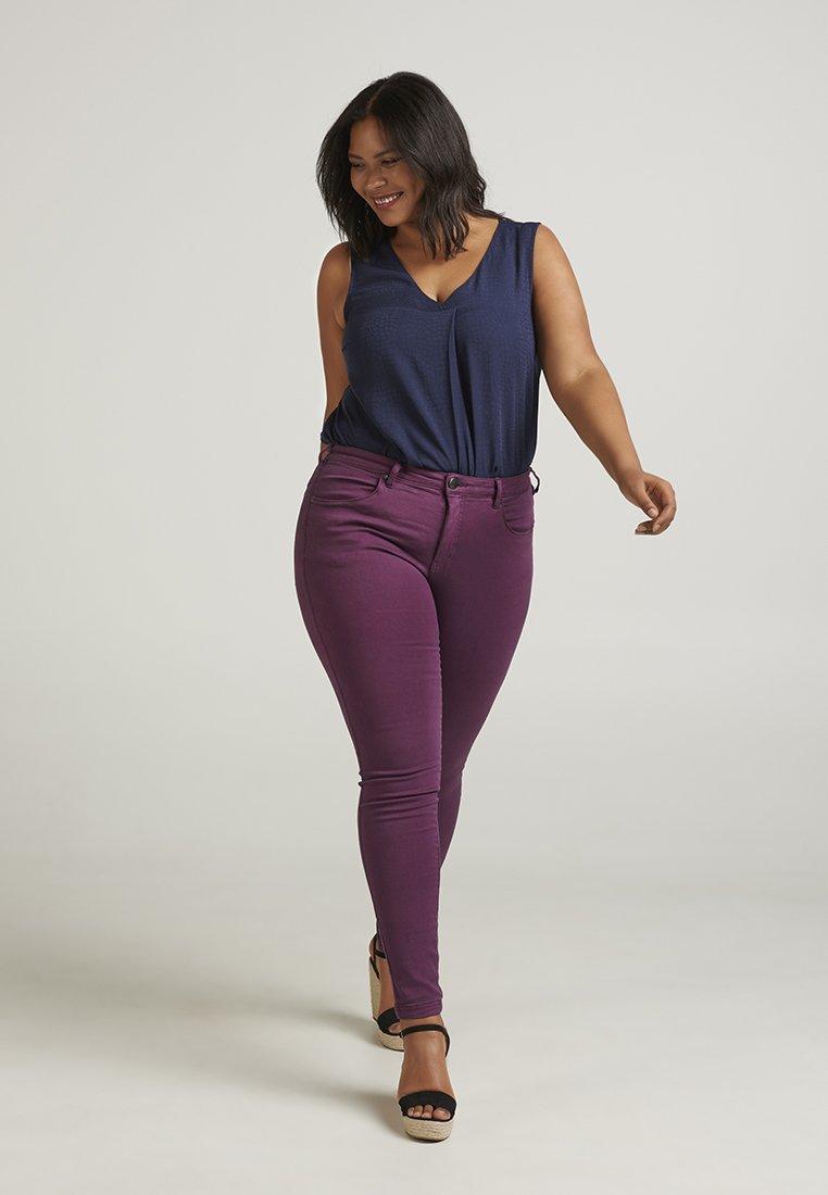 Zizzi - Slim fit jeans - purple