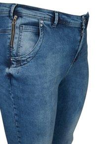 Zizzi - NILLE  - Jeans Skinny Fit - blue - 2
