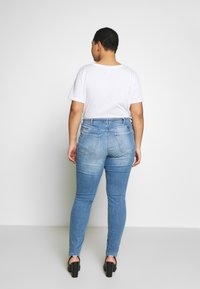 Zizzi - Džíny Slim Fit - light blue denim