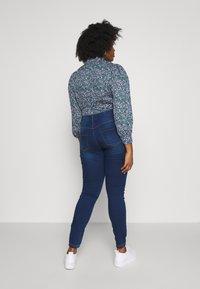 Zizzi - JANNA - Kalhoty - blue denim - 3
