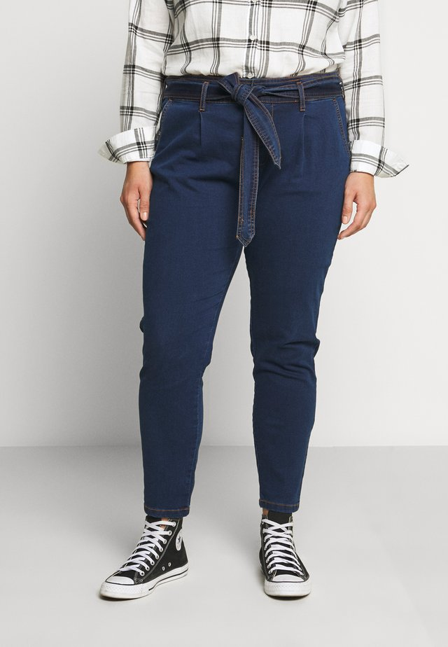 CROPPED WITH BELT - Džíny Relaxed Fit - blue denim