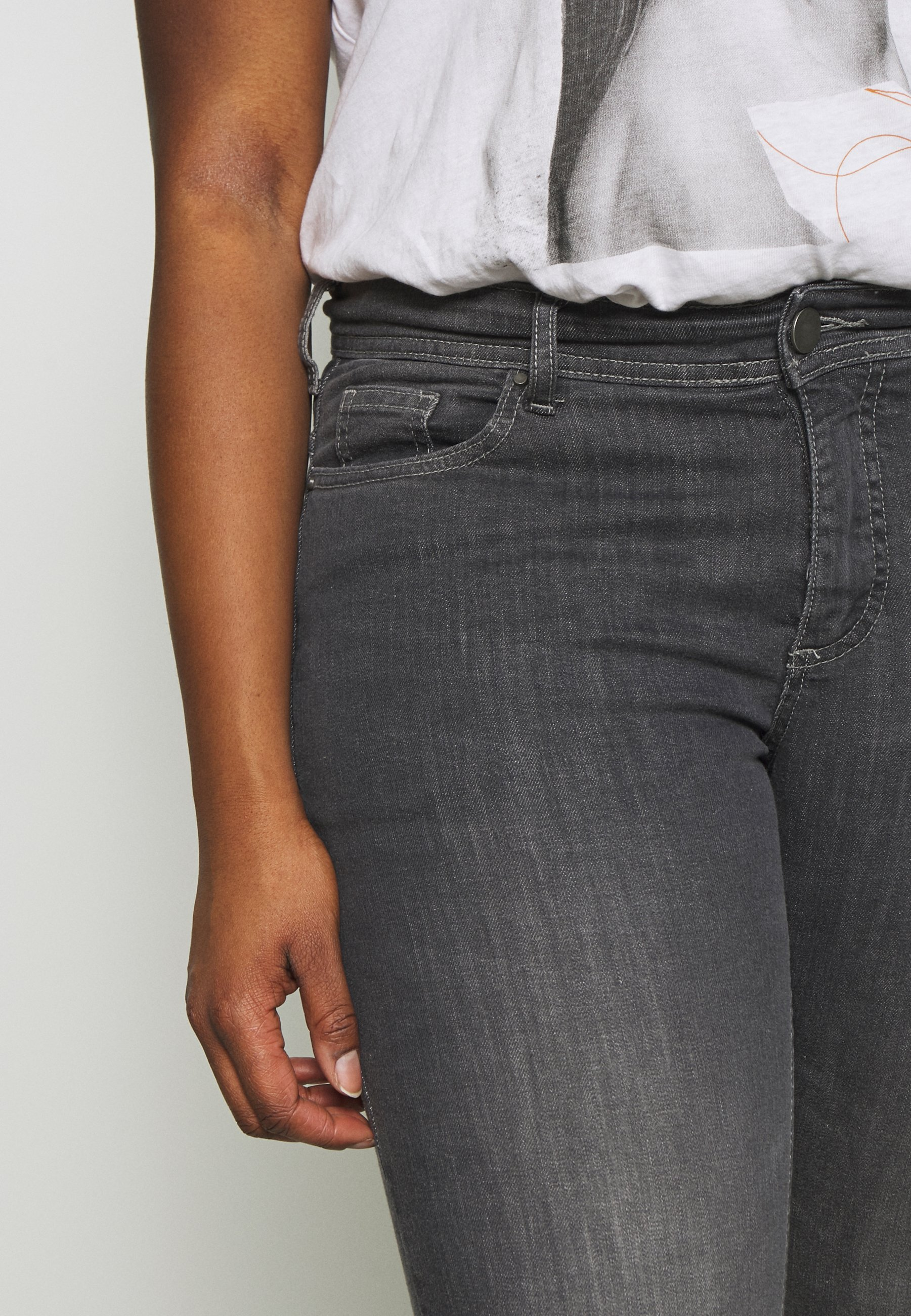 Zizzi EMILY FIT - Jeansy Slim Fit - grey denim