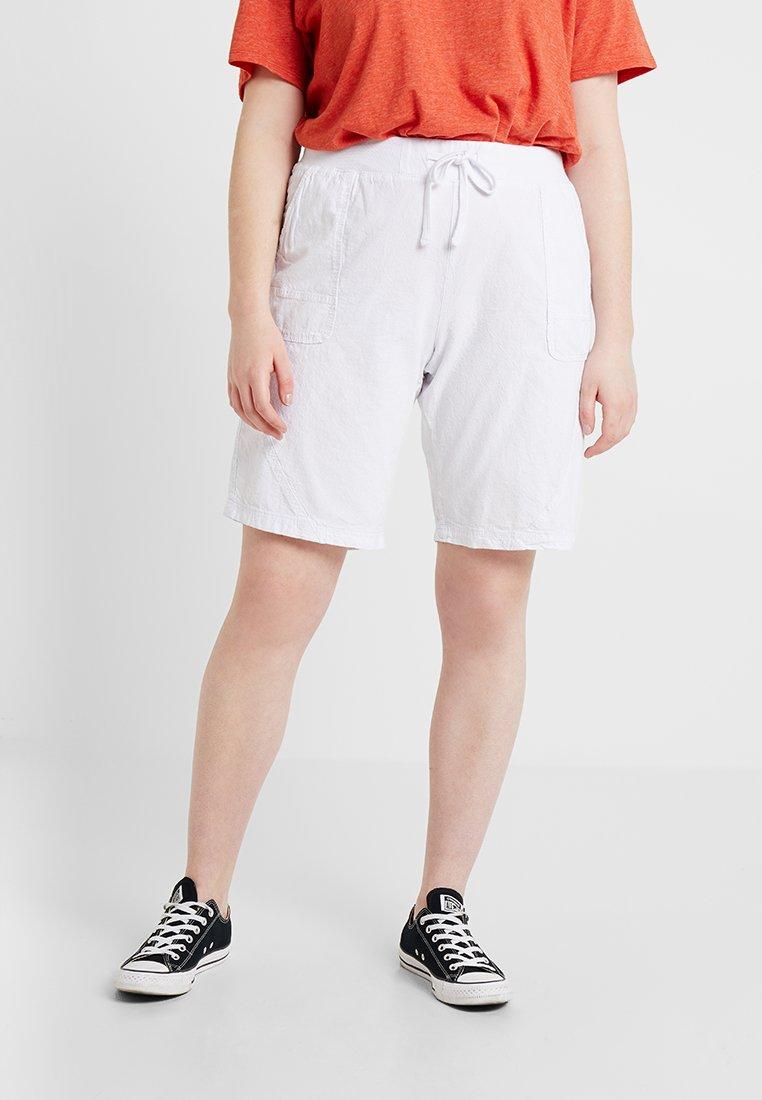 Zizzi - ABOVE KNEE - Shorts - bright white