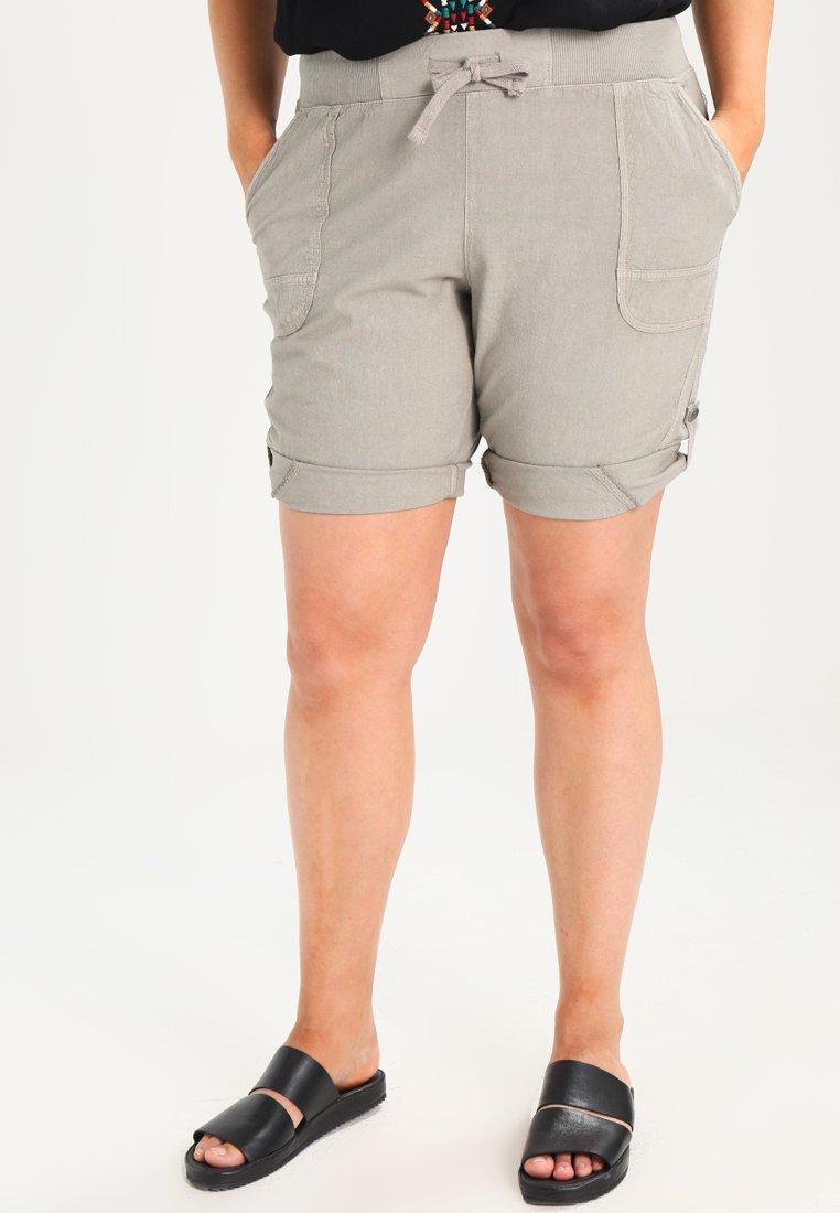 Zizzi - ABOVE KNEE - Shorts - elephant skin