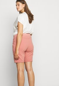 Zizzi - ABOVE KNEE - Shorts - old rose - 4