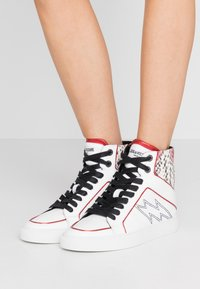 Zadig & Voltaire - High-top trainers - blanc - 0