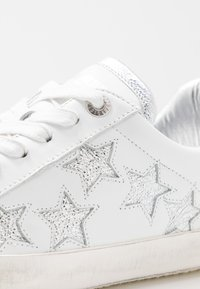 Zadig & Voltaire - USED - Trainers - blanc - 2