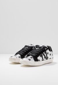 Zadig & Voltaire - USED - Trainers - silver - 4