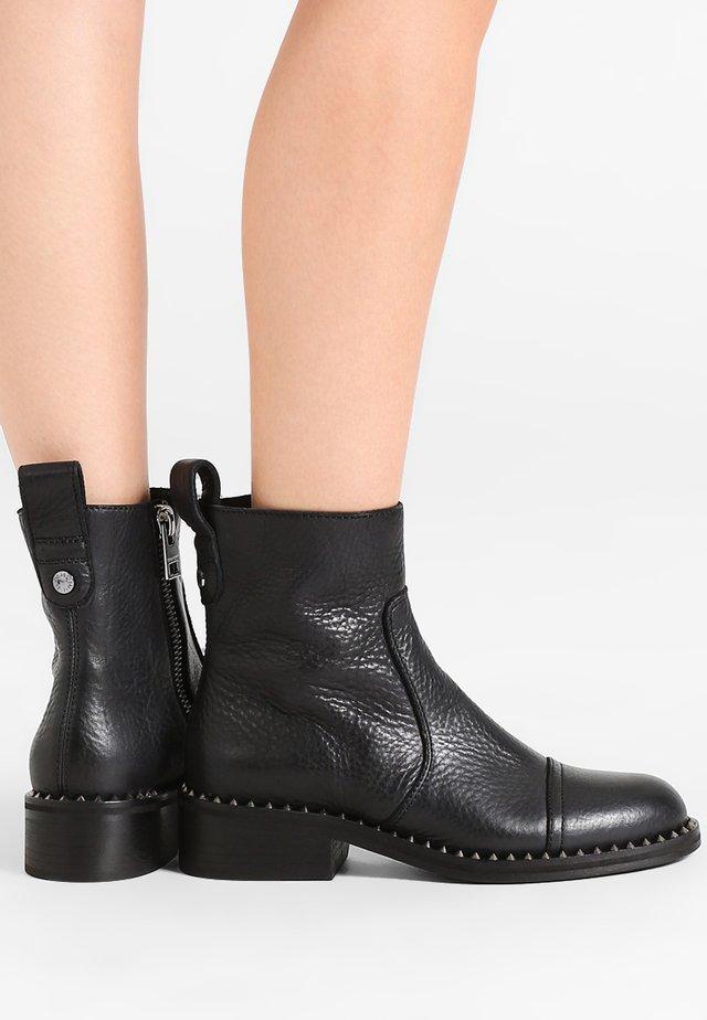 EMPRESS CLOUS - Classic ankle boots - noir