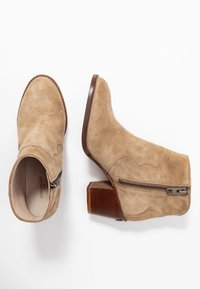 Zadig & Voltaire - MOLLY - Ankle boots - taupe - 3