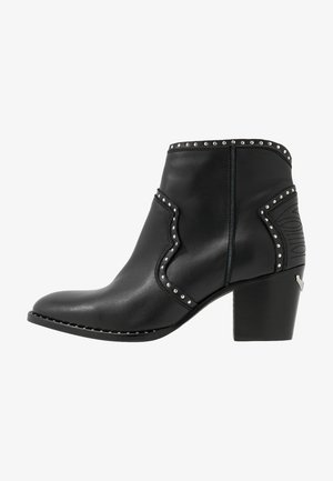 MOLLY STUDS - Boots à talons - noir