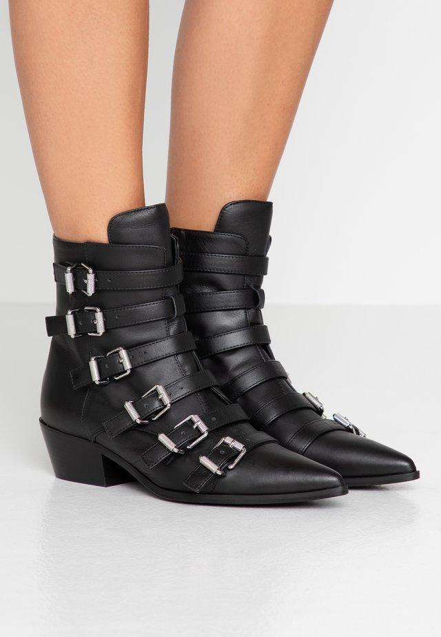 LIBRA SHOW - Cowboy/biker ankle boot - noir