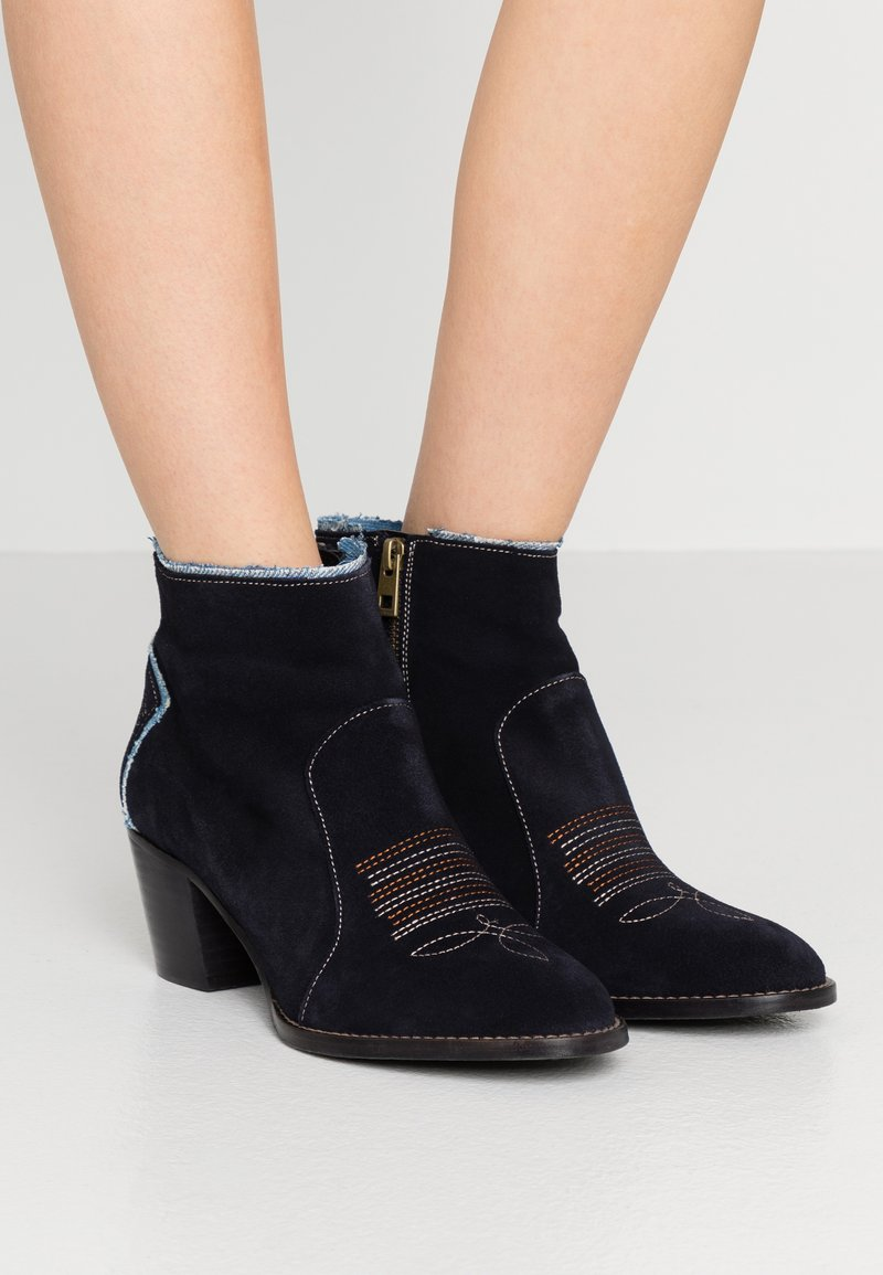 Zadig & Voltaire - MOLLY - Ankle boots - ink