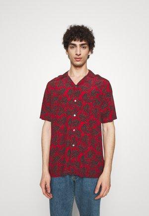 SUN - Shirt - red